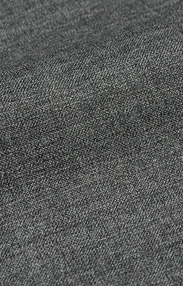 Dopasowany garnitur wełniany z delikatną strukturą