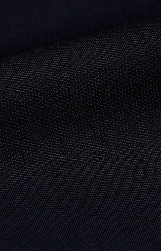 Dopasowany garnitur, który nadaje się do prania w domowych warunkach