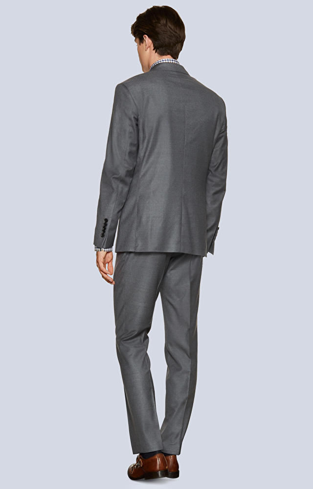 Dopasowany garnitur wełniany o diagonalnym splocie
