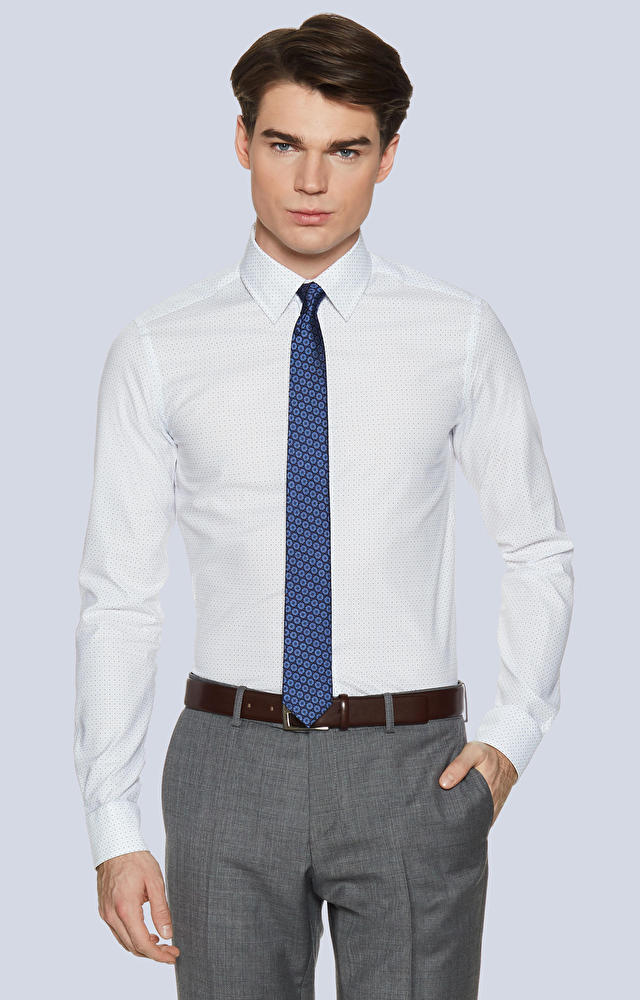 Dopasowana koszula w kropki z kołnierzem typu kryte button-down
