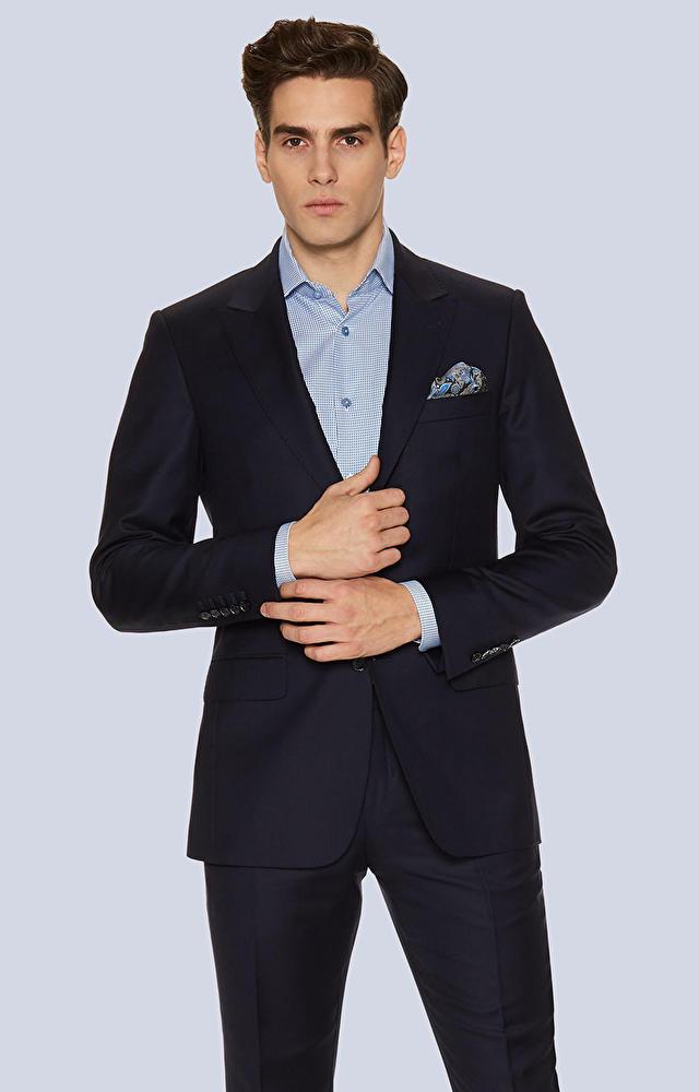 Dopasowany garnitur wełniany typu Soft Suit