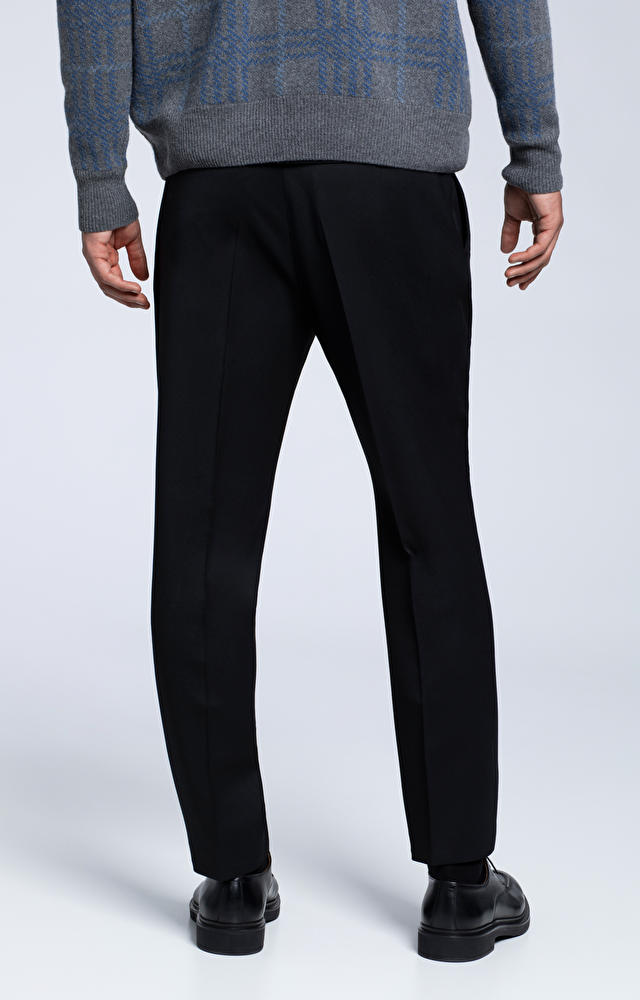 Wełniane spodnie typu carrot
