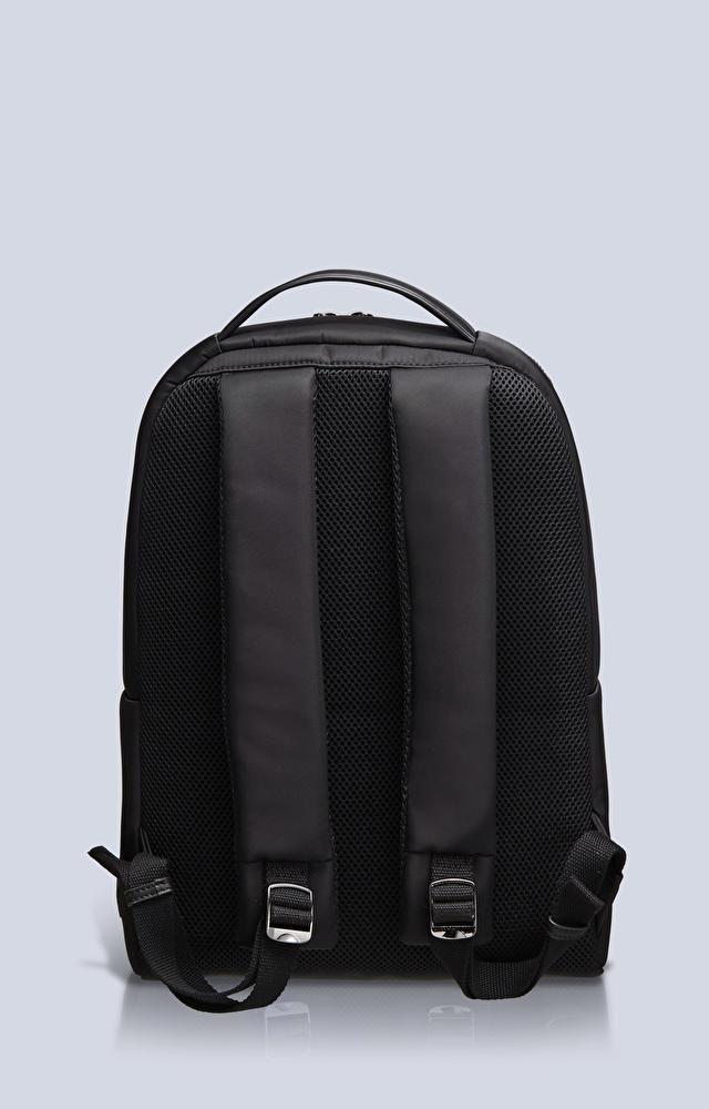 Plecak z tkaniny technicznej
