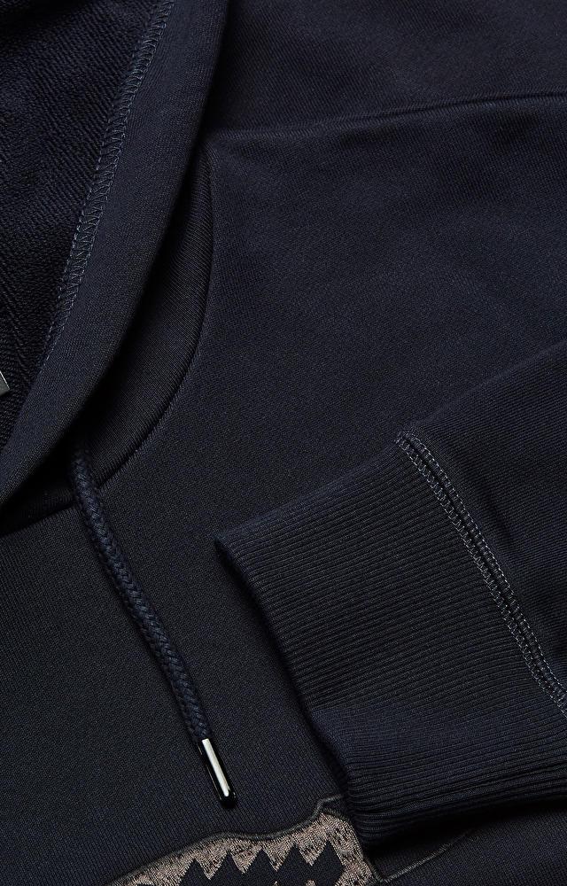 Bluza z kapturem z haftowanym wzorem