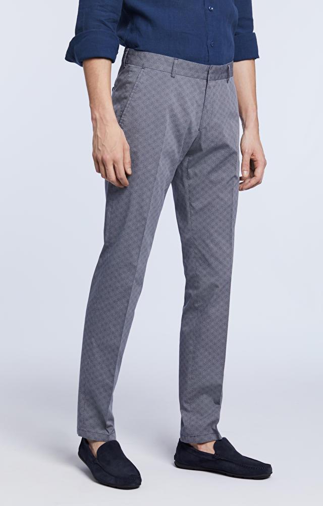 Spodnie zaprasowane w kant