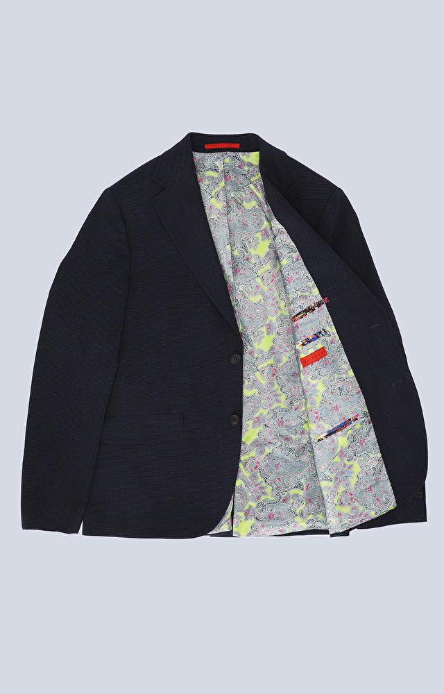 Luźny garnitur w drobną kratę