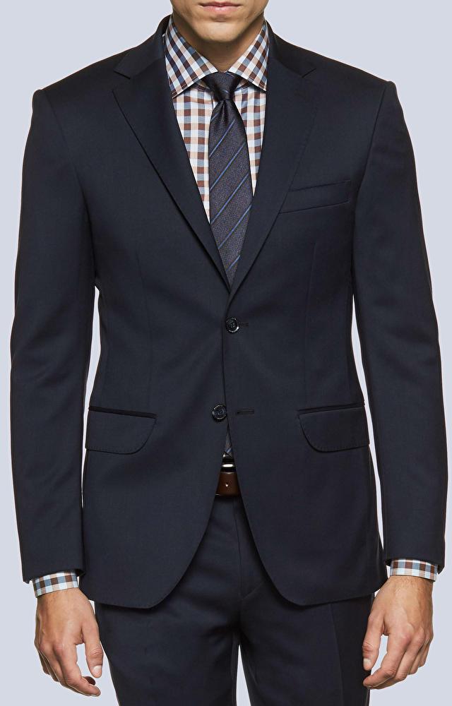 Luźny, wełniany garnitur o diagonalnym splocie