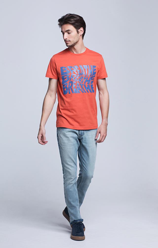 T-shirt z grafiką