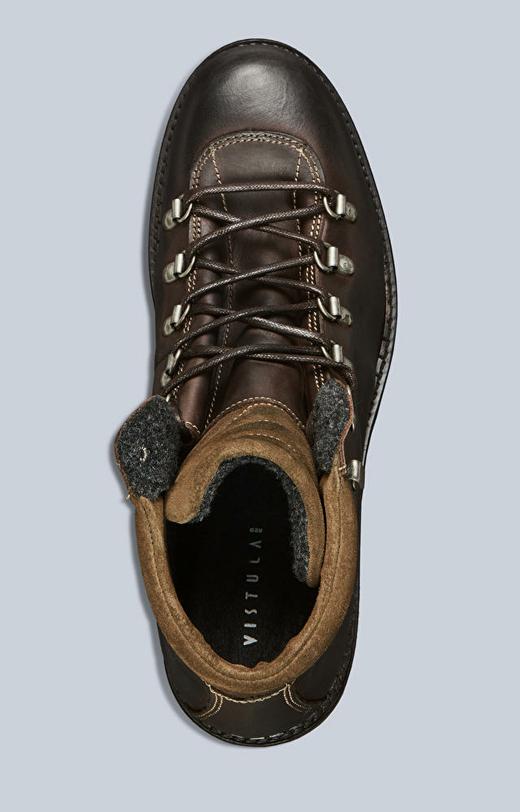 Wysokie, wiązane buty skórzane na grubej podeszwie
