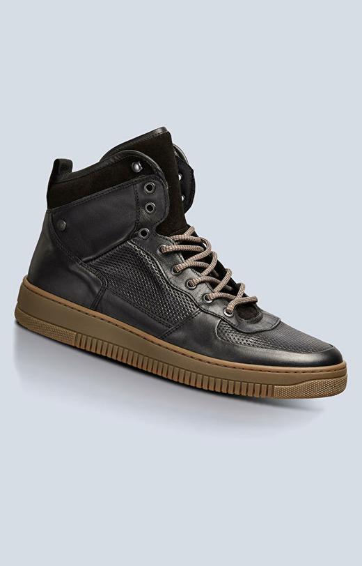 Skórzane sneakersy na grubej podeszwie