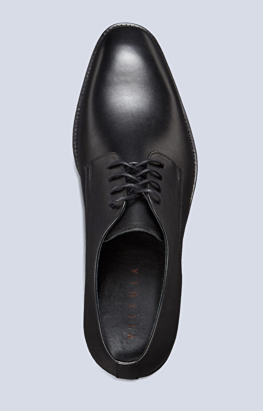 Skórzane buty typu derby, klasyczne do garnituru