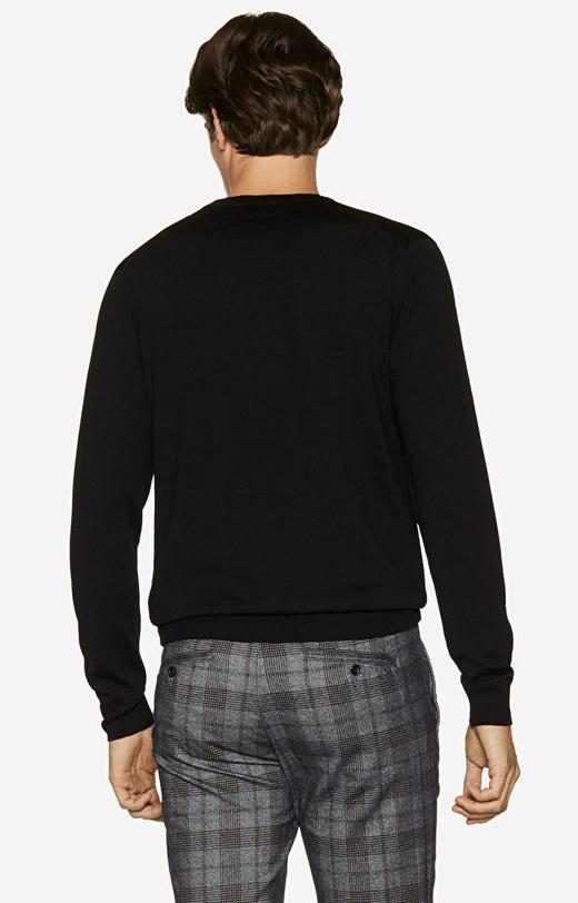 Lekki, wełniany sweter round-neck