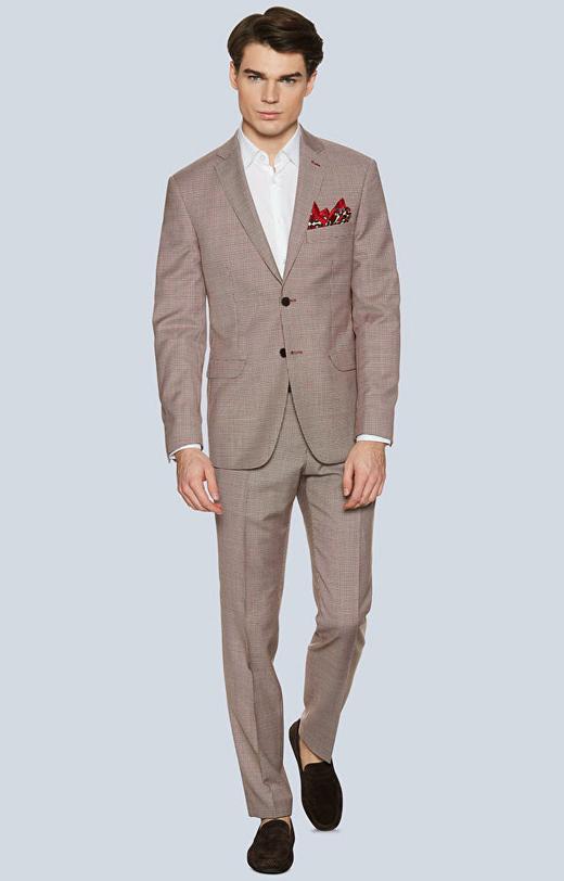 Dopasowany garnitur w drobną, kolorową pepitę