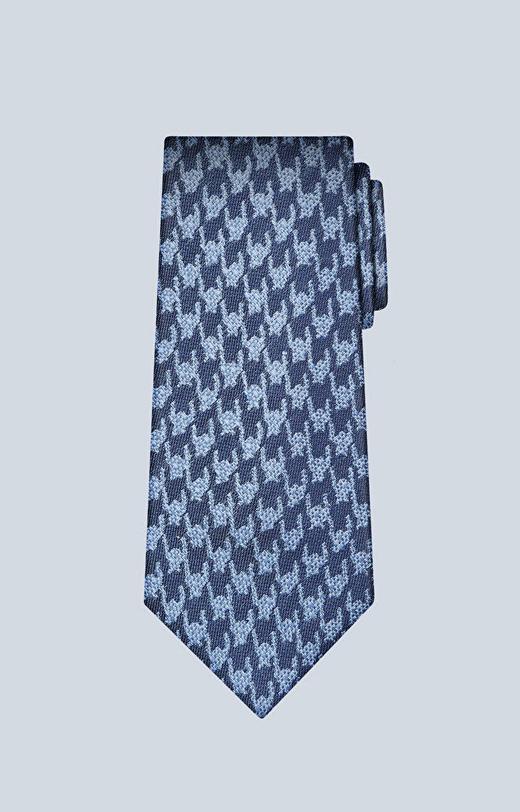 Jedwabny krawat w błękitny wzór