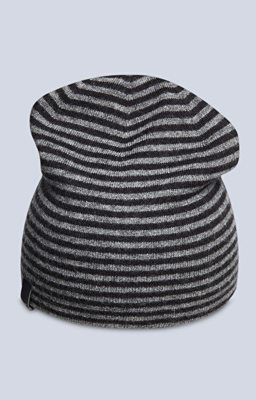 Wełniana czapka w paski