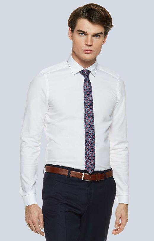Dopasowana koszula w strukturalny wzór z kołnierzem kryte button-down