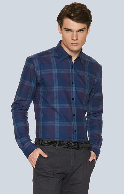 Koszule w kratę z kołnierzem kryte button-down