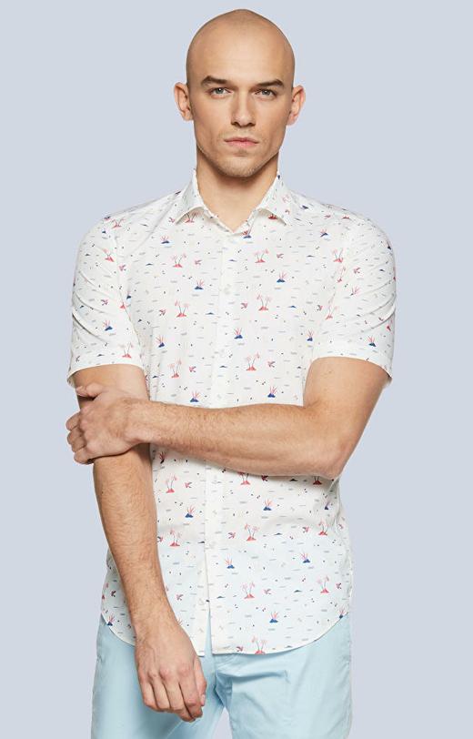 Dopasowana koszula w print z krótkim rękawem, półwłoski kołnierz