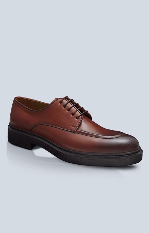 Skórzane buty na masywnej podeszwie