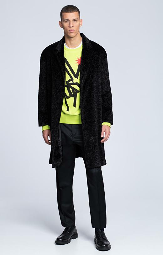 Luźny płaszcz ze sztucznego futra