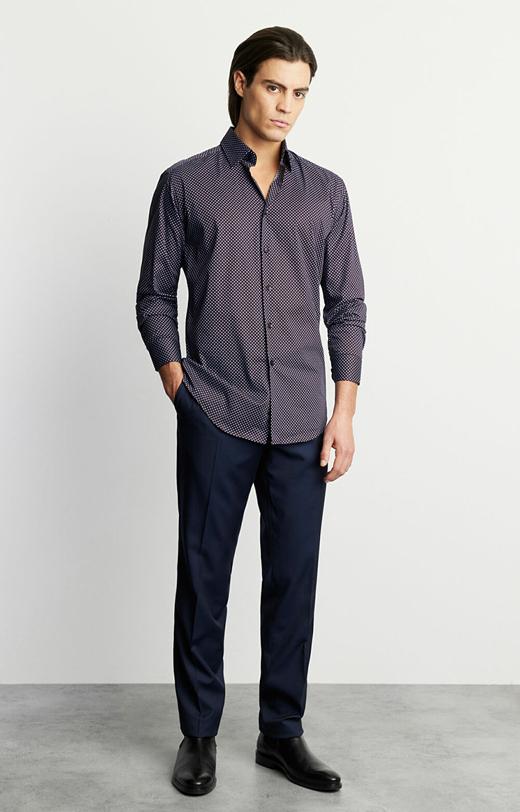 Koszula w geometryczny wzór