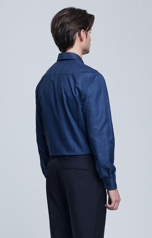 Koszula w kratę z kołnierzem kryte button-down