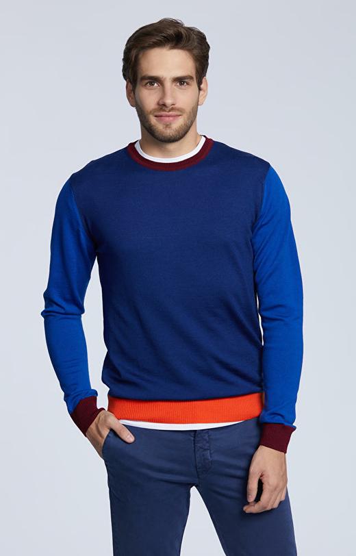 Lekki, wełniany sweter typu round-neck