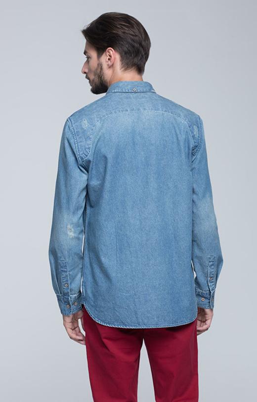 Jeansowa koszula z kołnierzem button-down