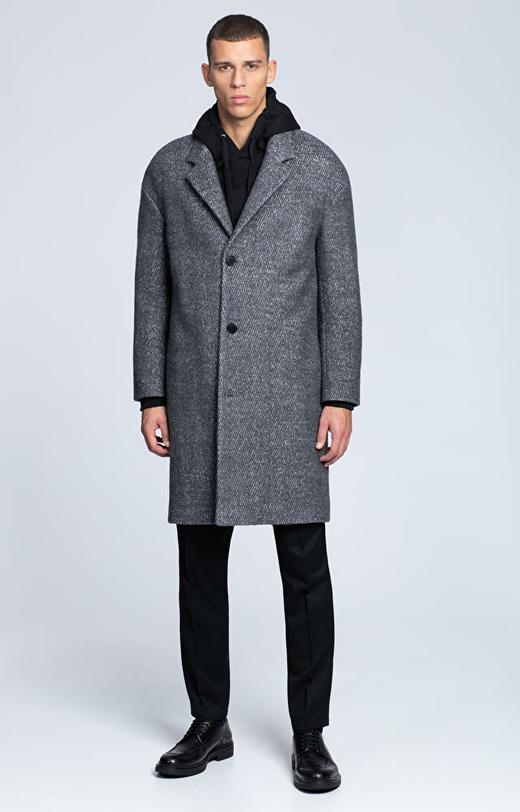 Luźny płaszcz w jodełkę