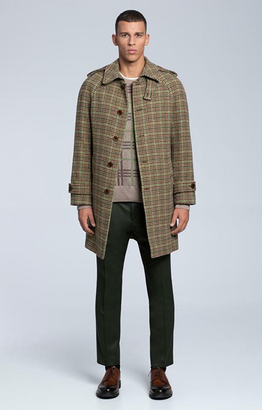 Płaszcz wełniany w kratę o luźnym kroju
